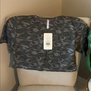 Fabletics size small body cropped camo tee